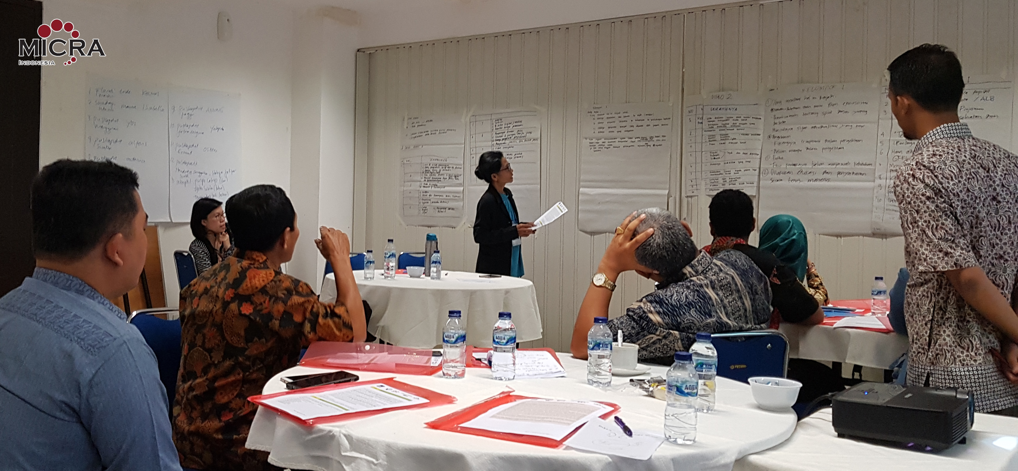 Participant ToT Jakarta present the results of their group discussions